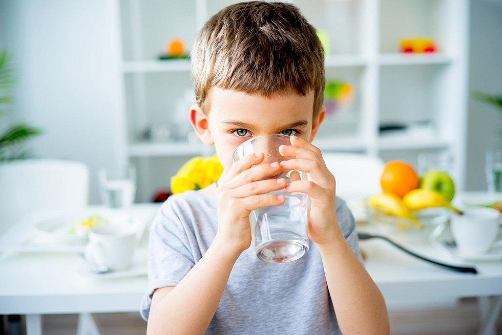 Nejlepší způsob rehydratace, neboli zavodnění, závisí na tom, kdo jste, co děláte nebo v jakém prostředí pracujete