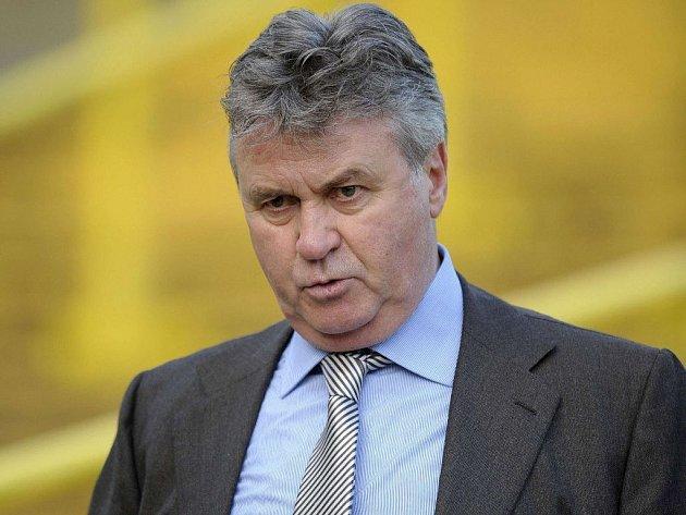 Věhlasný trenér Guus Hiddink by měl Chelsea spasit. Podaří se mu to?