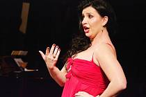 Andrea Kalivodová je pozoruhodná Carmen.