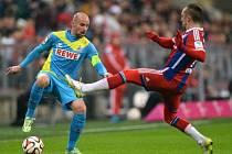 Bayern (na snímku Franck Ribéry vpravo) to měl proti Kolínu nad Rýnem celkem snadné