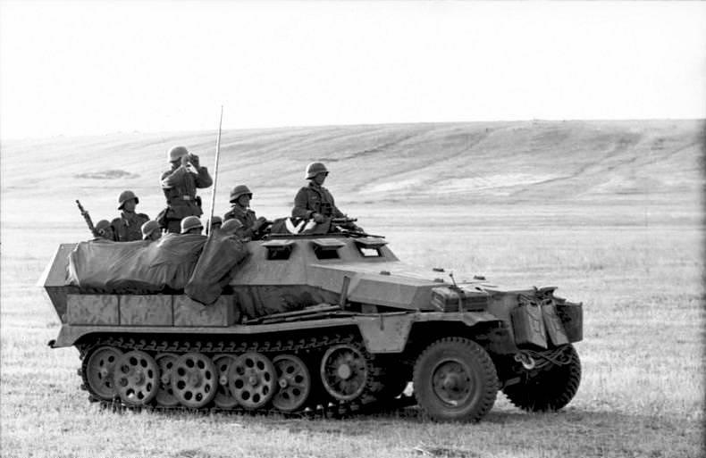 Německý obrněný transportér na ruské frontě, podzim 1941