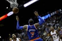 Carmelo Anthony (7) pomohl v Atlantě prodloužit vítěznou sérii New York Knicks