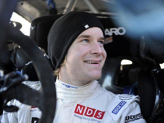 Jezdec týmu Ford Mads Östberg na Švédské rallye.