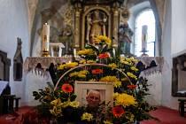V kostele sv. Mikuláše v Lažišti se 7. prosince 2019 uskutečnila vzpomínková pohřební mše za protikomunistického odbojáře Josefa Hasila, který byl známý jako Král Šumavy