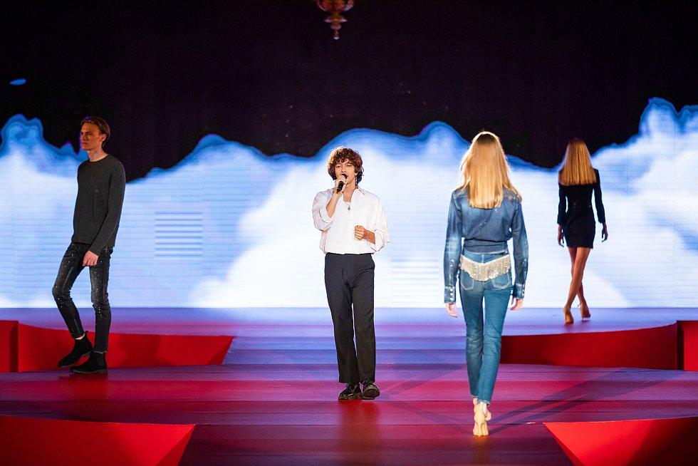 Finálový večer soutěže Schwarzkopf Elite Model Look 2021.