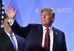 Prezident USA Donald Trump na summitu v Bruselu.