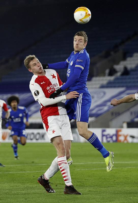 Leicester - Slavia: Jamie Vardy a David Zima