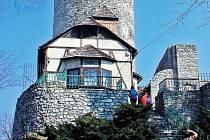 Hradní věž Trúba.