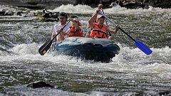 Vodáci na řece Moravě
