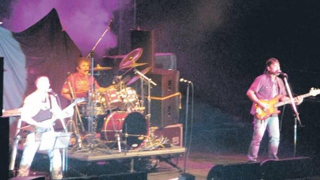 O vystoupení Nazarethu (na snímku z loňského koncertu v ČR) je v Ostravě velký zájem zejména mezi rockovými pamětníky.