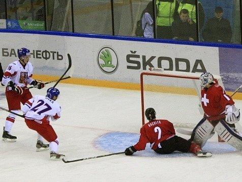 Čeští hokejisté si vítězstvím nad Švýcarskem zajistili účast v play off.