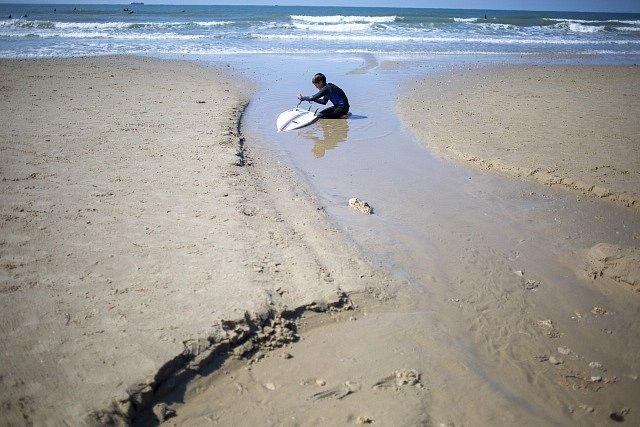 Zamořené pobřeží v Izraeli