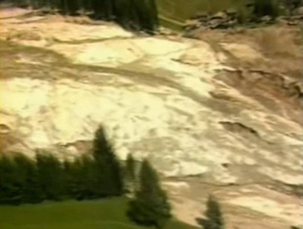 Bahno, písek a voda představovaly v údolí říčky Stava smrtící kombinaci