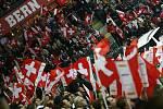 Švýcarské hokejisty přišly v prvním zápase na domácím MS povzbudit tisícovky diváků.