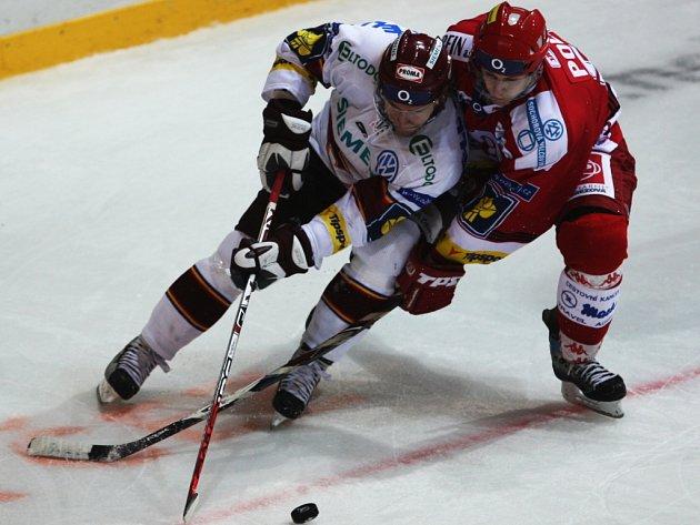 Hokejisté Sparty zvítězili v Třinci 4:2.