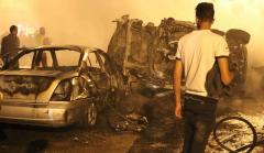 Exploze auta s výbušninami na rušné ulici v Libyi