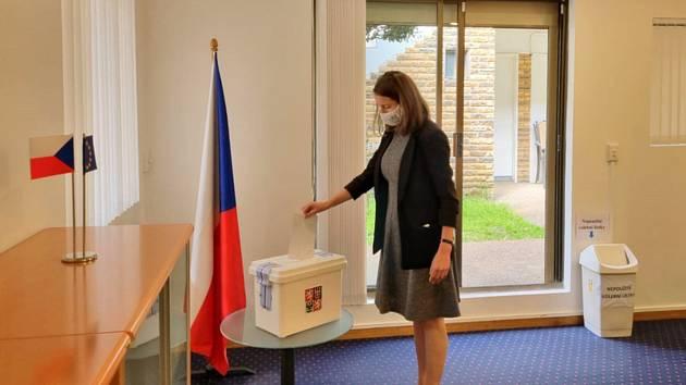 Na českém generálním konzulátu v Sydney se 8. října 2021 otevřela volební místnost pro krajany, kteří se účastní voleb do Poslanecké sněmovny Parlamentu ČR