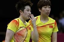 Badmintonistky Jü Jang (vlevo) a Wang Siao-li na olympijských hrách v Londýně.