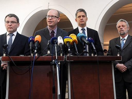 Špičky ČSSD vystoupily v Poslanecké sněmovně v Praze na tiskové konferenci k aktuální politické situaci v České republice.