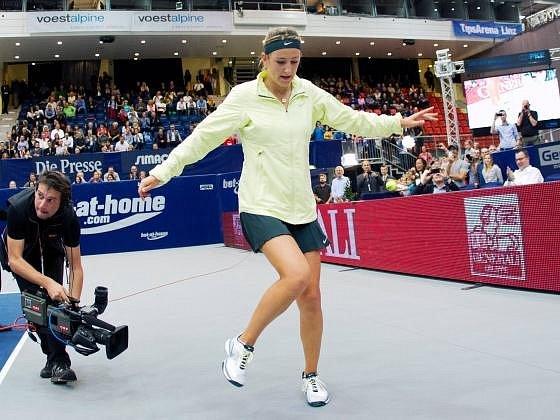 Viktoria Azarenková s přehledem získala titul v Linci.
