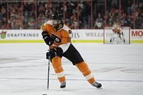Jakub Voráček byl vyhlášen první hvězdou nedělního utkání NHL, v němž se gólem a nahrávkou podílel na výhře hokejistů Philadelphie 5:3 nad Calgary.
