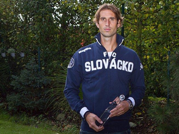 Libor Došek ze Slovácka s cenou pro Hráče měsíce.