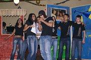 Děti z Dětského domova v Plané vystoupili na oslavě Mezinárodního dne žen, která se konala v kulturním domě v Nahém Jezdci