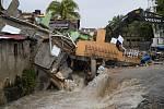 Bouře Laura se prohnala ostrovy v Mexickém zálivu, přerostla v Hurikán a míří k pobřeží USA