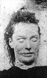 Policejní fotografie těla Elisabeth Stridové