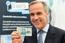 Guvernér centrální banky Mark Carney představil novou pětilibrovku.