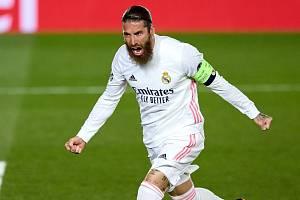 Sergio Ramos v dresu Realu Madrid.