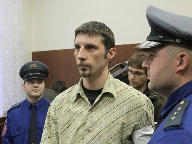 TREST. Polák Bogumil Kujawski byl v pátek za vraždu taxikáře odsouzen k patnácti rokům vězení.
