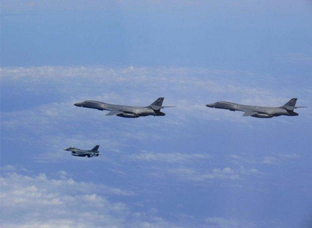Americké bombardéry nad Korejským poloostrovem