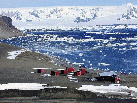 Česká polární stanice Johanna Gregora Mendela na ostrově Jamese Rosse v Antarktidě.