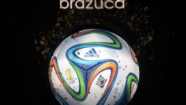 Oficiální míč fotbalového mistrovství světa 2014 Brazuca.