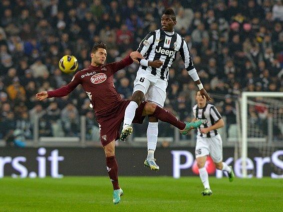 V městském derby porazil Juventus Turín  FC Turín 3:0.