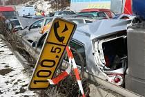 Nejvážnější nehoda se stala na 100. kilometru.