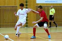 Futsalisté Chrudimi (v bílém) v Poháru FAČR.