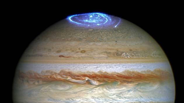 Polární záře na Jupiteru