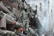 Šestipatrový dům se v keňské metropoli zřítil v pátek v době silného deště.
