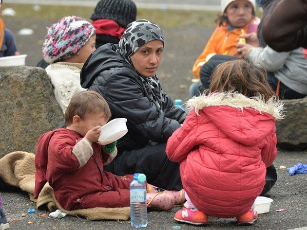 V pouhých stovkách se v uplynulých dvou měsících pohybovaly počty migrantů, kteří byli z unie vráceni zpět. Ilustrační foto.