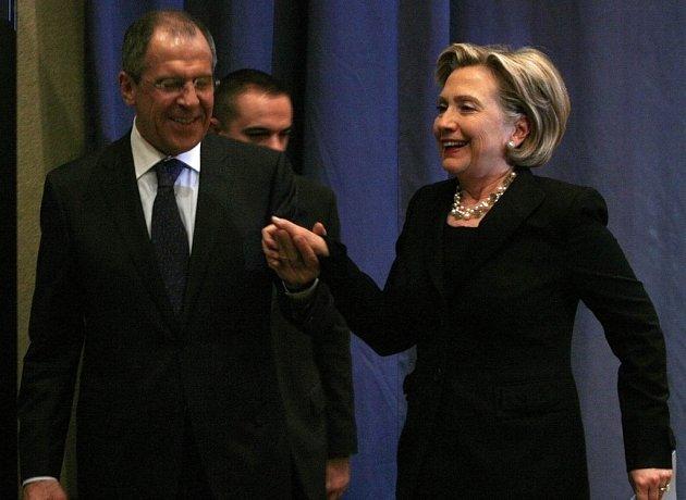 Hilary Clitonová s ruským ministrem Sergeiem Lavrovem.