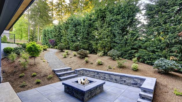 Ať už se chystáte na založení zbrusu nové zahrady, nebo jen plánujete renovaci té stávající, poctivě zhodnoťte, co váš pozemek nabízí.