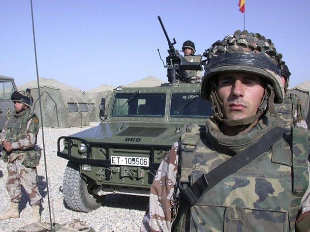 Španělsko se bude koncem roku podílet na výcviku iráckých vojáků pro boj proti extremistům z organizace Islámský stát.
