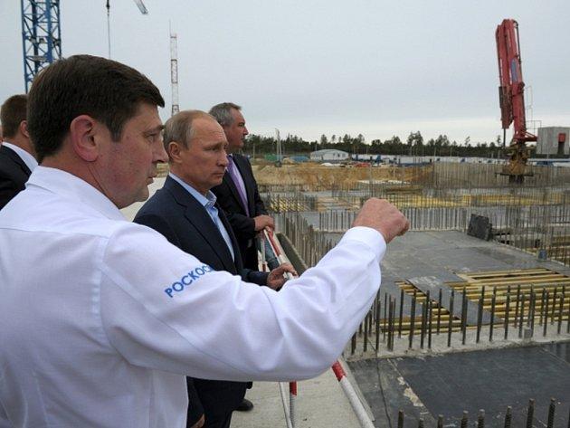 Zhruba stovka stavbařů zapojených do budování nového ruského kosmodromu Vostočnyj vstoupila do stávky kvůli nevyplaceným mzdám.