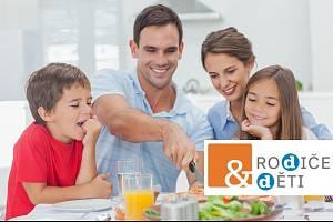 S dětmi večeří pravidelně jen necelá polovina Čechů.