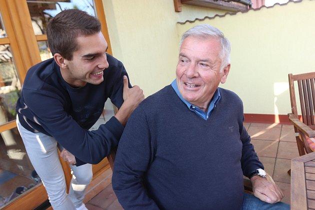 Vratislav Kulhánek navštívil rodinu předplatitele Deníku vNových Hodějovicích
