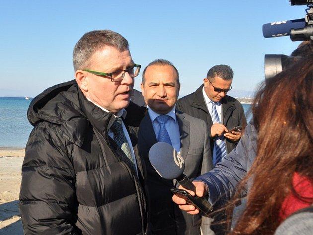 Dostat pod kontrolu takzvanou balkánskou cestu, kudy do Evropy proudí uprchlíci, je podle ministra zahraničí Lubomíra Zaorálka klíčovým zájmem České republiky.