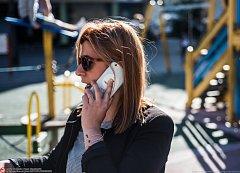 Telefonování v zahraničí (ilustrační snímek)