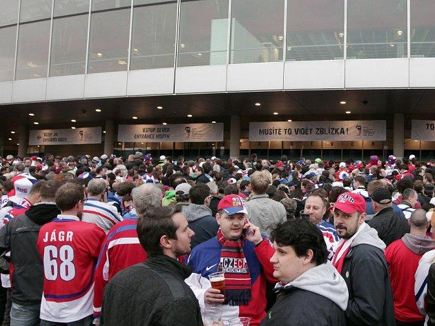 Hokejový šampionát nemá nouzi o fanoušky